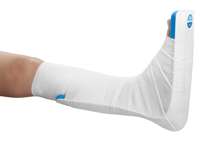 Lagerungsschiene Fuß vor Operation, nach Operation
